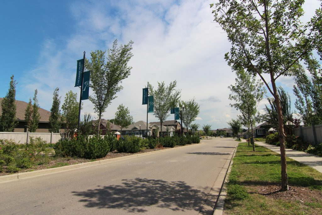 Lacombe Park St. Albert Homes For Sale